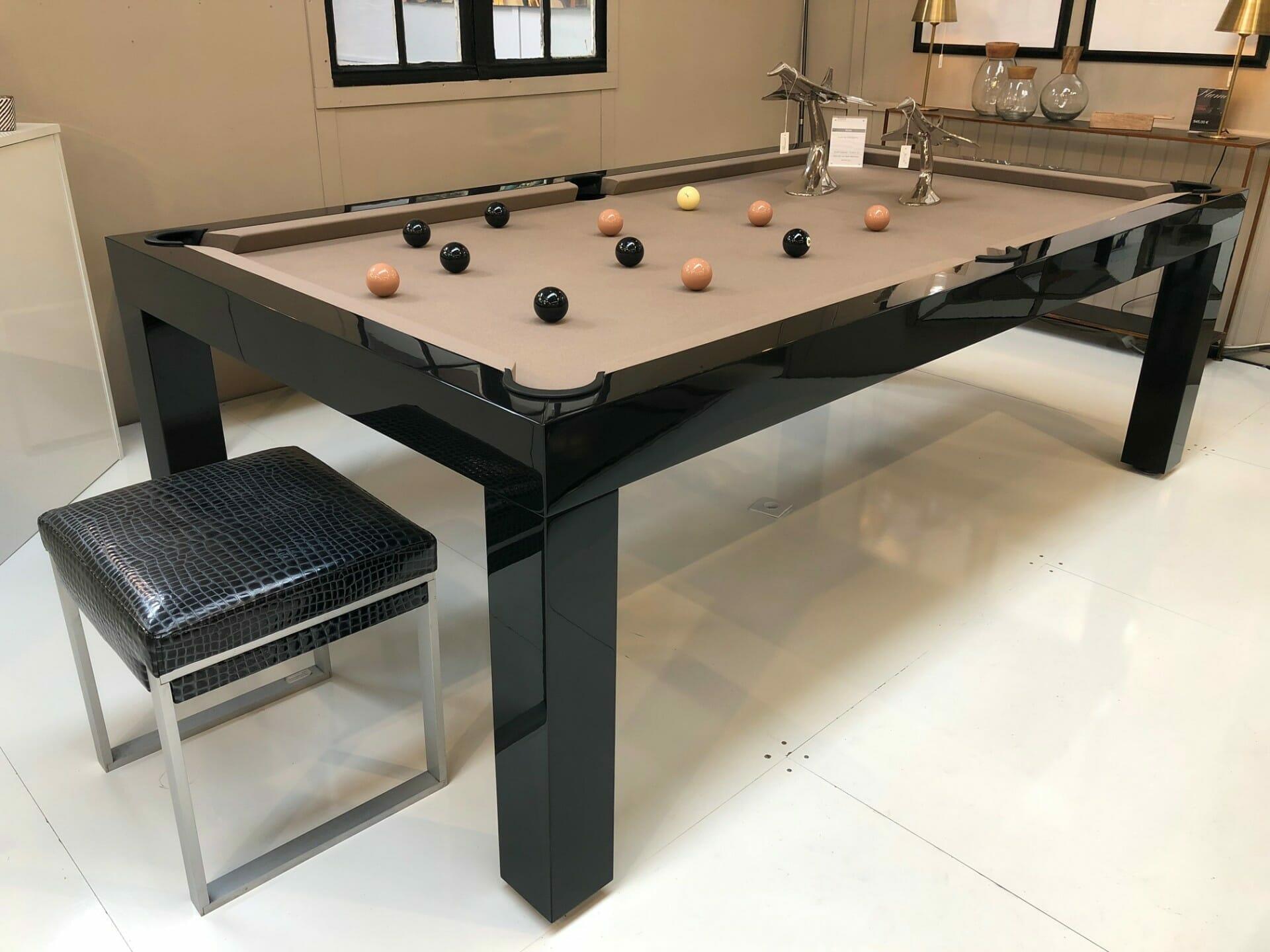 table de billard noir metallise disponible