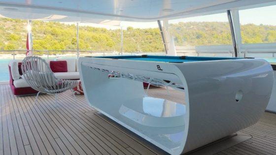 Billard haut de gamme Blacklight pour yacht de luxe - Toulet