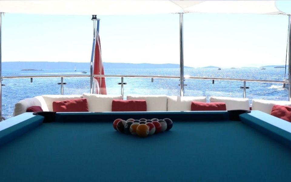 Yacht et billard de luxe par Billards Toulet
